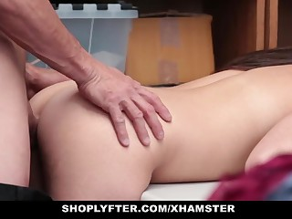 Shoplyfter - Teen Fucked Away from Policeman Adjacent to Ass