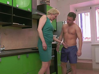 Grown-up snappy haired blonde MILF Madlen swallows every last drop
