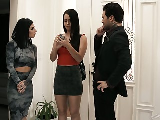 Hurtful nympho Alina Lopez has great time while riding fat cock (FFM)