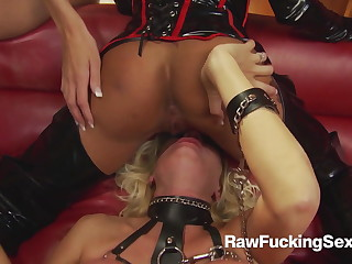 In return Fucking Coitus - Michelle Thorne In Latex Suit Loves Fuck