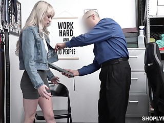 Guilty blonde ungentlemanly Lilly Nervousness strips before constable and gets poked missionary