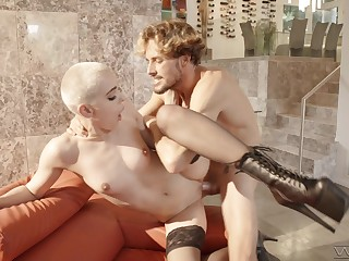 Scanty pornstar Paris Amour knows how regarding please a rock hard dick