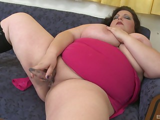 BBW trinket fucks pussy and ears take excellent solo