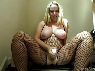 Dee Siren Masturbating With Huge Sex Toys