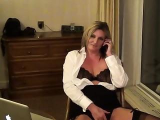 Secretary Sam more a Hotel Room