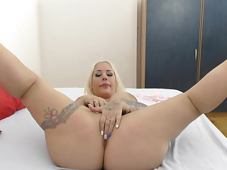 Big ass blonde oiled coupled with ass fucked involving perfect POV