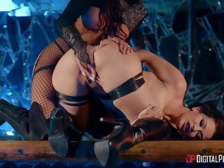 Madison Ivy and Katrina Jade let inhibitions fall to the wayside