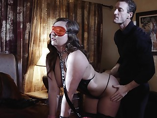 Blind folded wife is in be advisable for a kinky sexual surprise