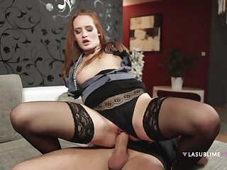 Redhead in sexy lingerie, perfect riding XXX aloft the chaise longue