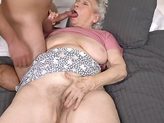 Helping The Granny Bring up the rear Right of entry - 21Sextreme