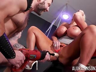 Intense hard sexual intercourse for the big bore cougar