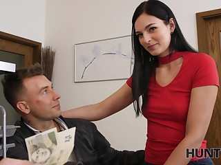 Stranger offers money of sexual connection with pretty girlfriend