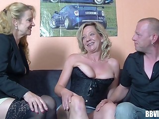 Pussy licking with the addition of dick sucking during FFM trilogy with German sluts
