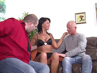 Mature German spliced opens her legs to be fucked by two dudes