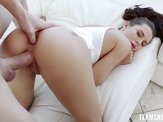 Alterable babe Lana Rhodes does the splits on a big hard penis
